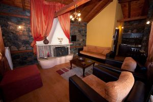 Suite Edelweiss, Guest house Edelweiss | Palios Agios Athanasios | Kaimaktsalan | accomodation